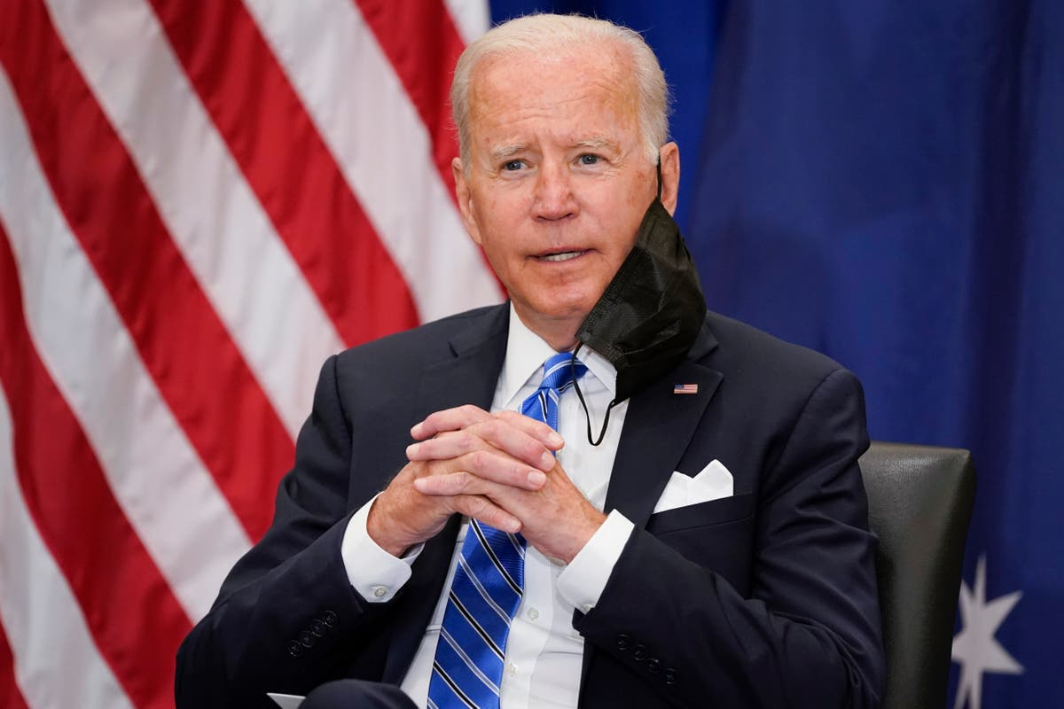 Image Biden's approval rating plummets to the lowest levels since start of his presidency