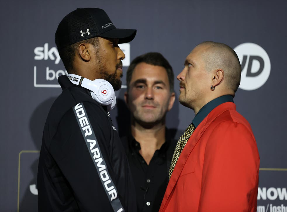 <p>The two rivals will soon meet in the ring </p>
