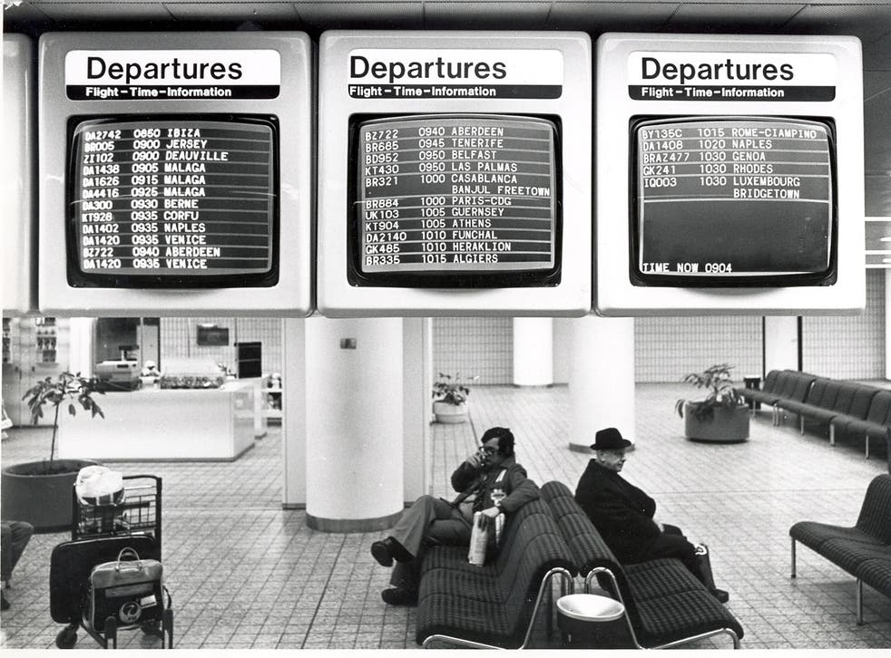 <p>Back to the future? 1977 Flight information screens at Gatwick</p>