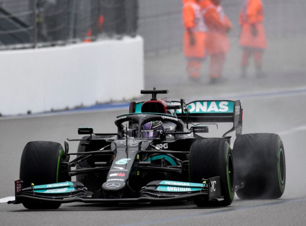 <p>Hamilton crashed into the pit wall and then spun into the wall during his final flying lap</p>