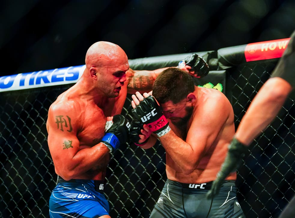 <p>Robbie Lawler stopped Nick Diaz in the third round of their rematch</p>