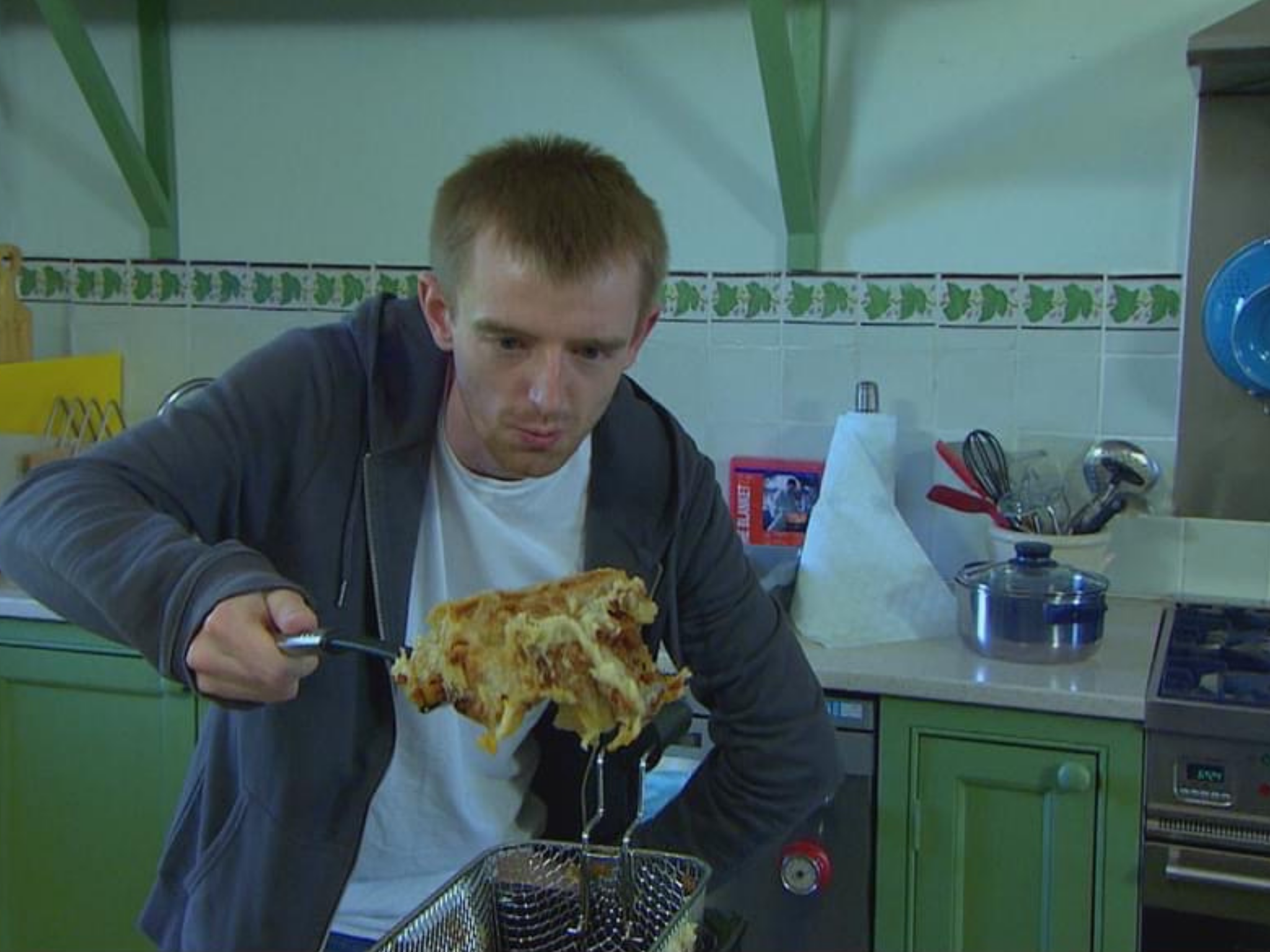 Come Dine With Me candidate makes deep fried lasagna and caviar ...