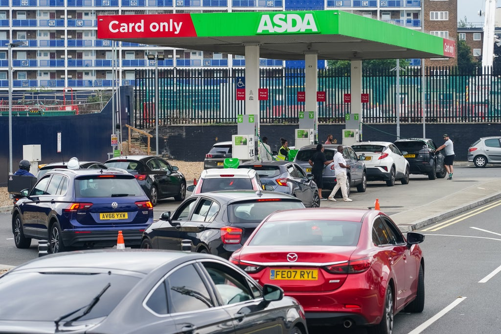 Fuel shortages: Police tell public to stop calling about petrol station queues