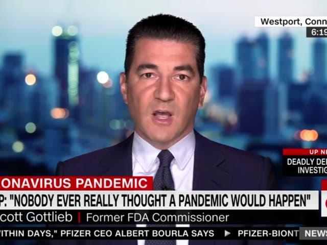 El exjefe de la FDA, Scott Gottlieb, dice que la Casa Blanca de Donald Trump asumió que todos atraparían a Covid