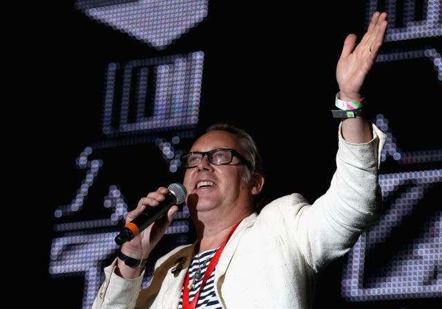 <p>Vic Reeves has lost all hearing in one of his ears because of the tumour  </p>