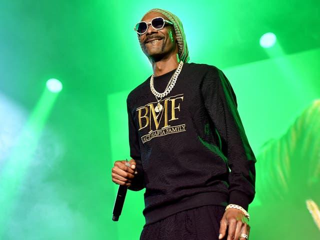 Snoop Dogg se presenta el 23 de septiembre de 2021 en Atlanta, Georgia.