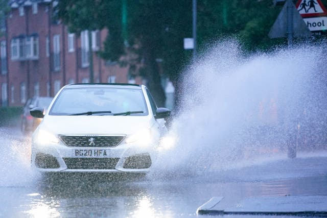 <p>Heavy rain to hit the north of England, following flash floods in south. </p>