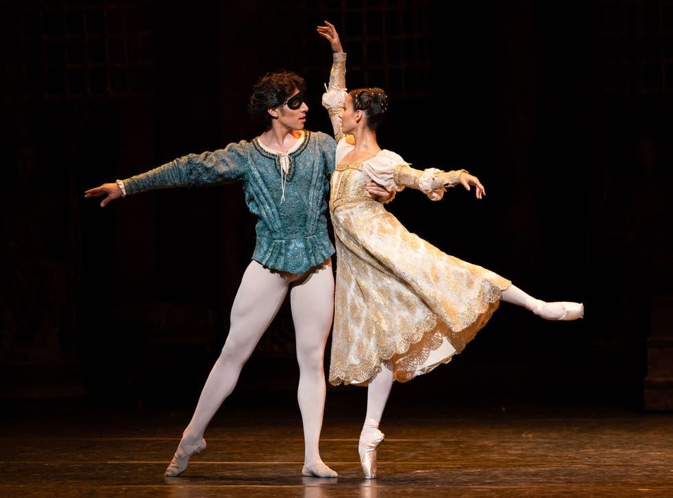<p>Cesar Corrales and Francesca Hayward as Romeo and Juliet</p>
