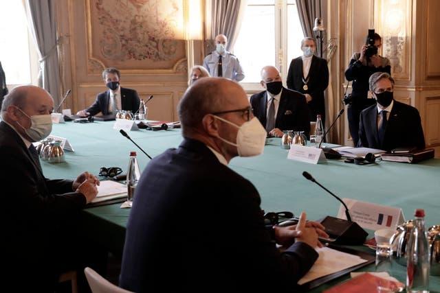 <p>Las delegaciones de alto nivel de Francia y EE.UU. en conversaciones para arreglar las implicaciones de AUKUS en las relaciones de las dos partes.</p>