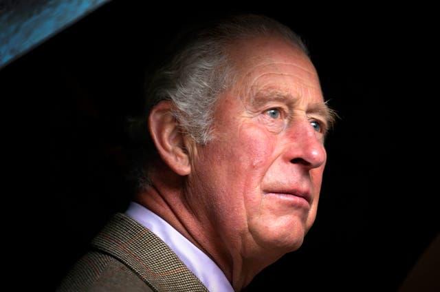 <p>Hablando desde la finca de Balmoral, Aberdeenshire, el príncipe Carlos expresó que al mundo le había tomado demasiado darse cuenta de los riesgos del cambio climático.</p>
