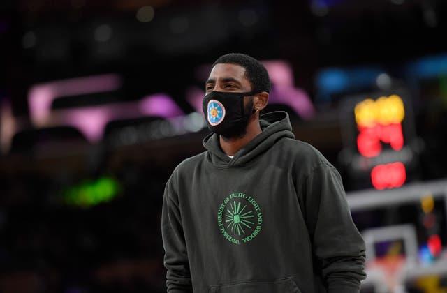 <p>Irving no puede jugar partidos en casa antes de la próxima temporada de la NBA debido a su estado de vacunación. </p>