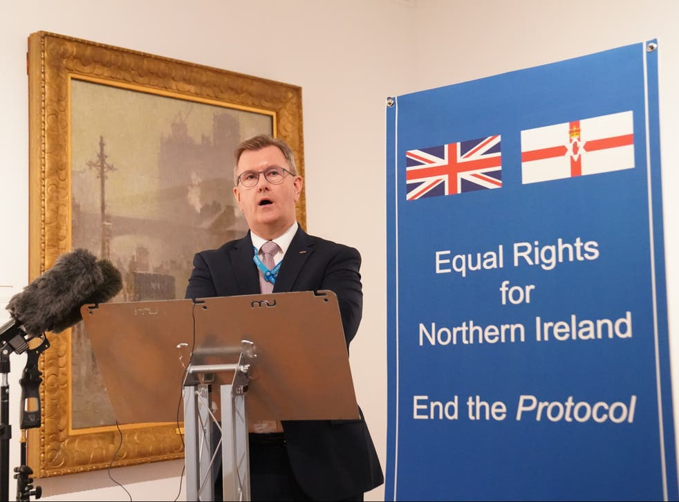 <p>DUP leader Sir Jeffrey Donaldson speaking at a fringe event at Tory conference</p>