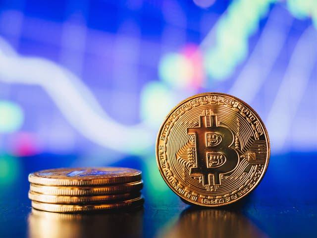 Bitcoin está experimentando importantes aumentos de precios en octubre, y los analistas de cifrado predicen un final récord para 2021