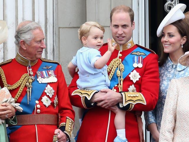 Príncipe Carlos, Príncipe George, Príncipe William y Kate Middleton en 2015