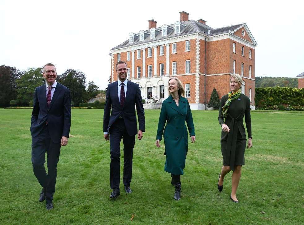 <p>Liz Truss meets with Baltic counterparts at Chevening house</p>
