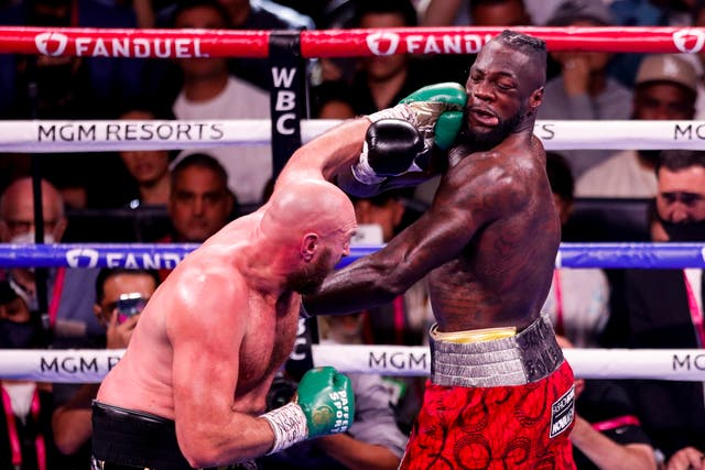Tyson Fury en acción contra Deontay Wilder