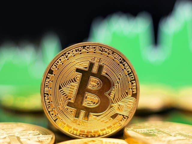 Bitcoin subió de precio por encima de $ 60,000 el 15 de octubre de 2021, acercándose a su máximo histórico