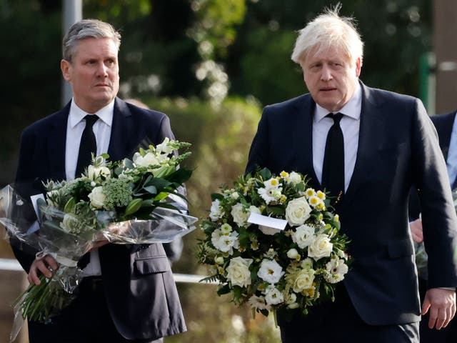 <p>Sir Keir Starmer and  Boris Johnson have laid flowers in Leigh-on-Sea, Essex, where Tory MP Sir David Amess was stabbed to death</p>