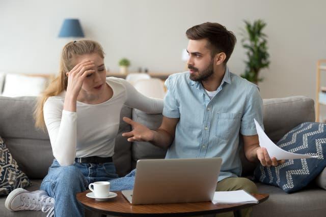 <p>En 2018 se descubrió que el 41 por ciento de la Generación X divorciados y el 29 por ciento de los Boomers terminaron su matrimonio por desacuerdos económicos. </p>