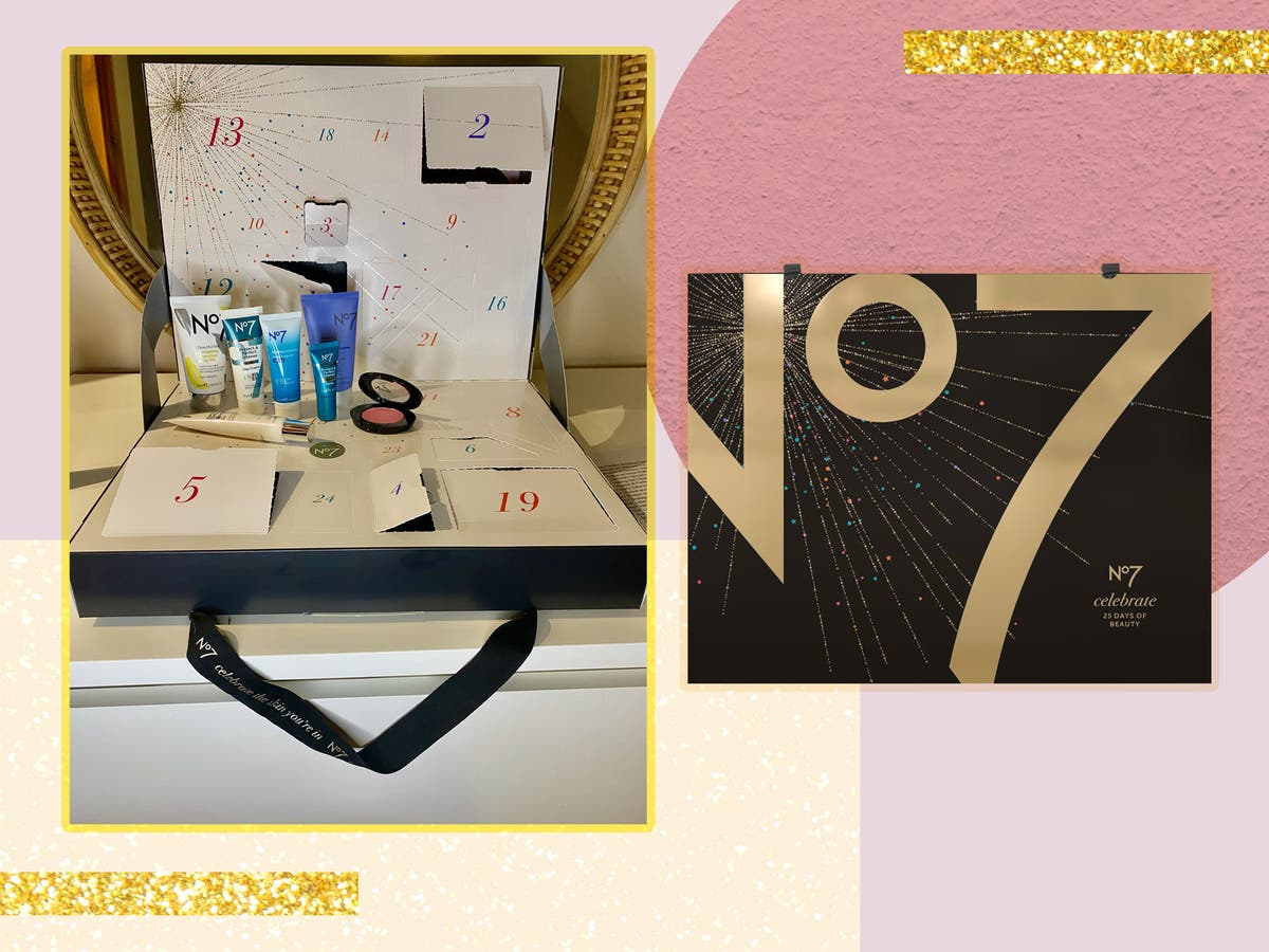 The sell-out No7 beauty advent calendar is finally here and we had a peek inside