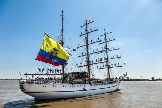 <p>El ejército ecuatoriano aseguró que el Guayas estaba realizando un ejercicio de entrenamiento en el momento en que notó el submarino de contrabando en las aguas.</p>