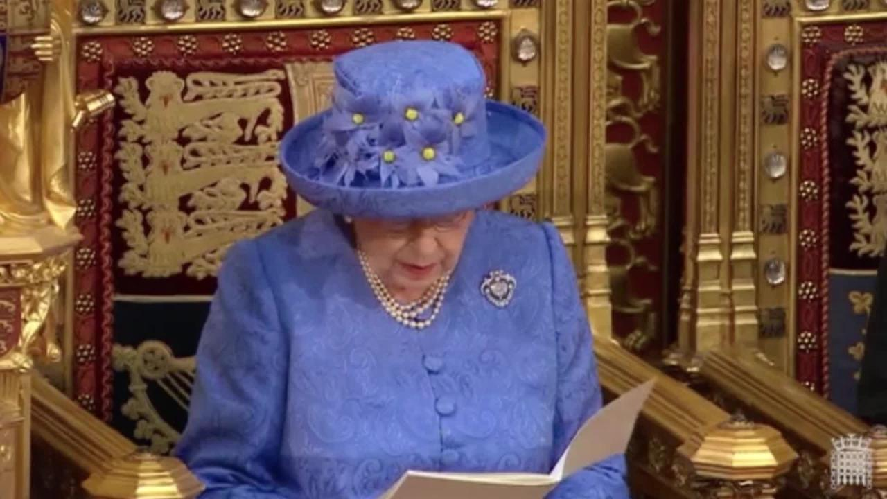 Queen Elizabeth said 'future of Britain lies in EU', declassified German diplomatic records show