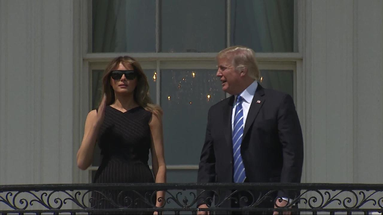 d8e341970038 Donald Trump stares into solar eclipse without safety glasses