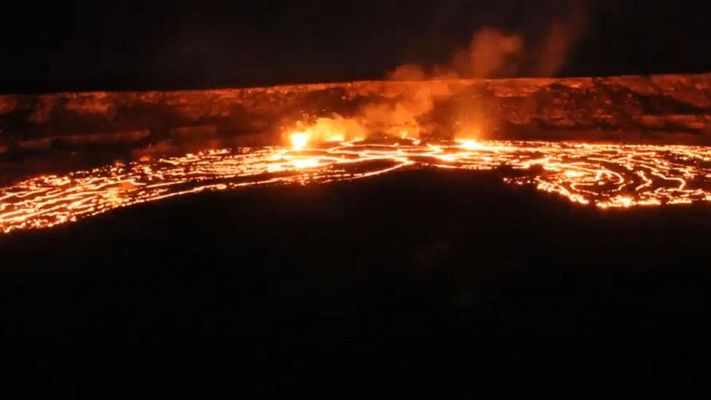 Lava pours from Hawaii's Kilauea volcano in mesmerising timelapse video
