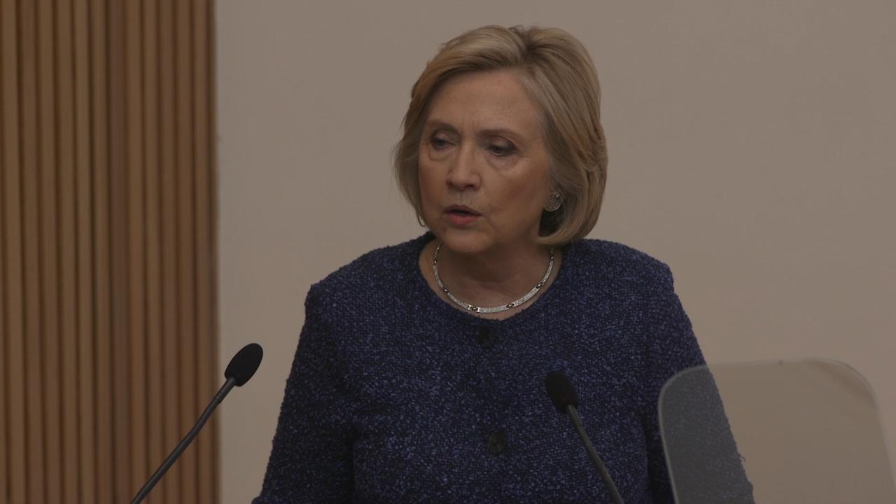 Hillary Clinton condemns Conservatives for backing Hungary's far-right Orban government