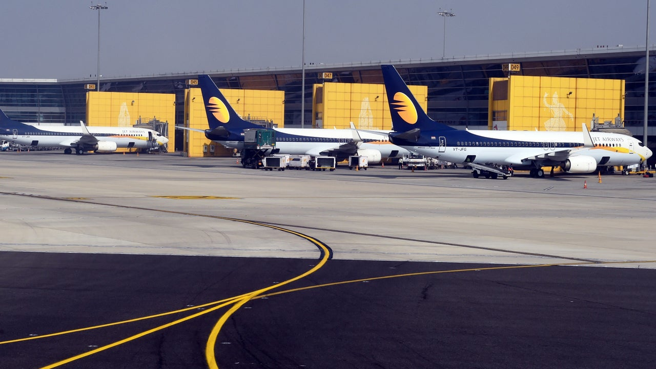 Jet Airways crisis: Airline cancels huge number of flights as bailout fails while Wow Air calls off rescue bid