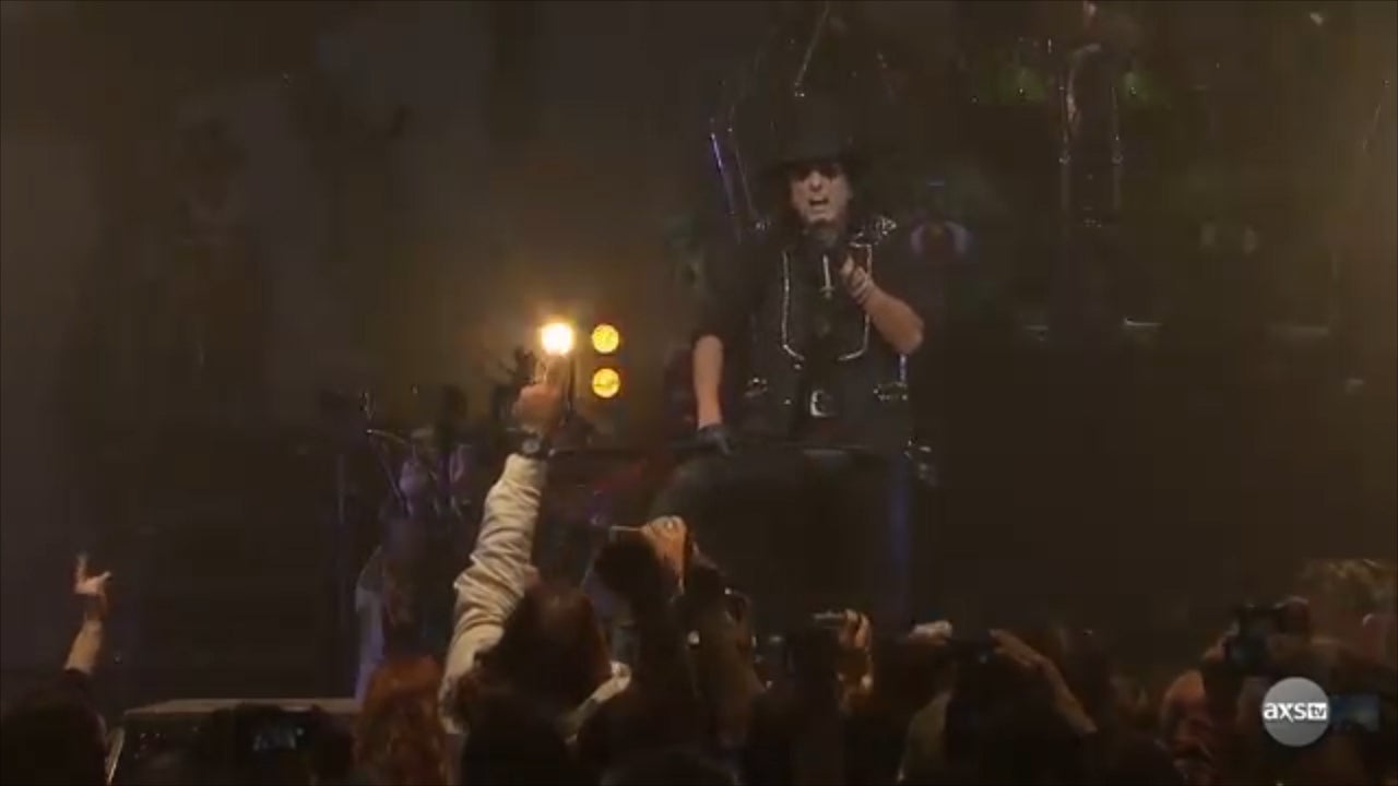Alice Cooper clarifies 'death pact' comments about killing himself i…
