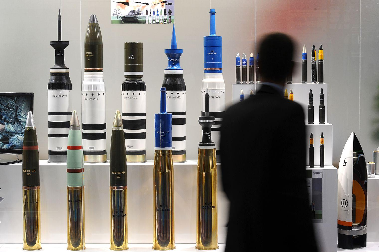 The world's 10 biggest arms exporters and importers | indy100