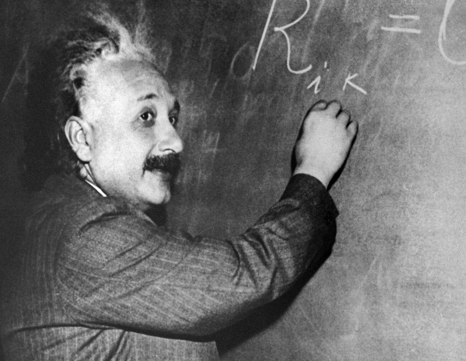 Only 2 Per Cent Of People Can Solve This Einstein Riddle Can You