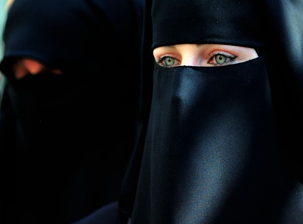 Muslim girl facebook chechen ISIS conned