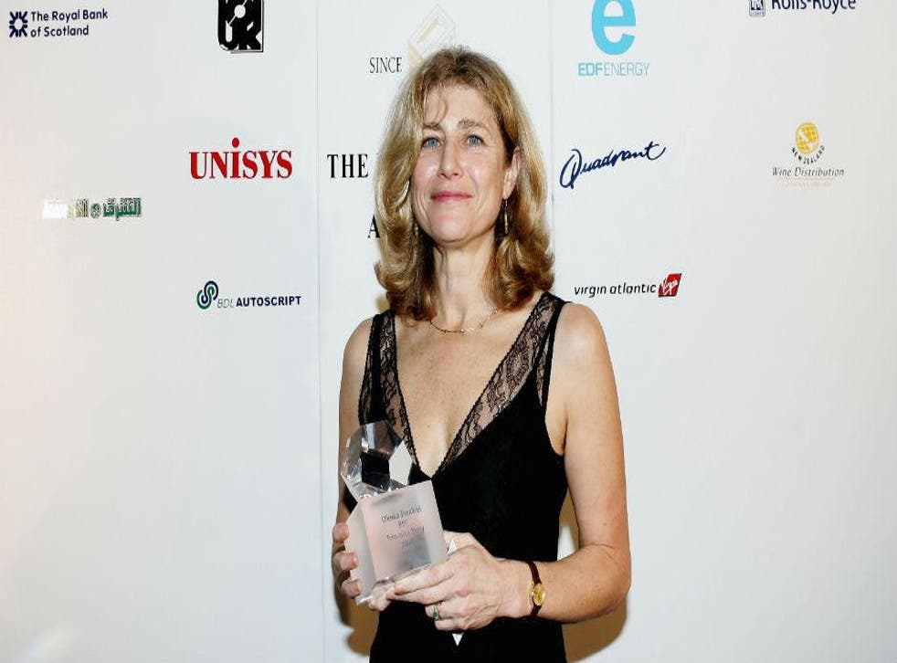 Olenka Frenkiel with her award for TV Journalist of the Year at the Foreign Press Association awards, 2004