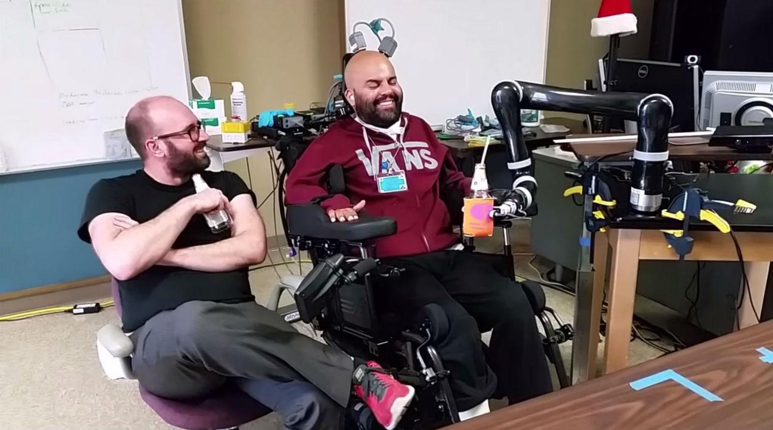 Man controls bionic arm with his brain, uses it to drink beer | indy100