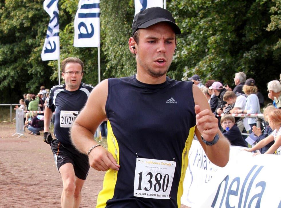 Andreas Lubitz participates in the Airport Hamburg 10-mile race in 2009