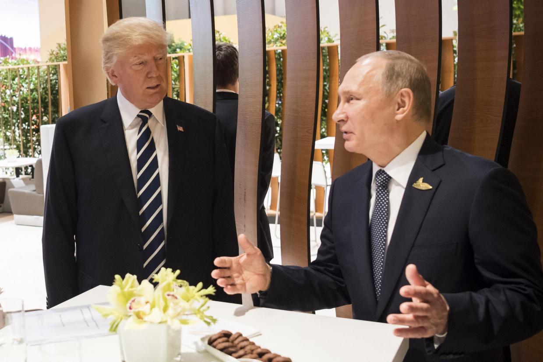 Russsia expels 755 Americans