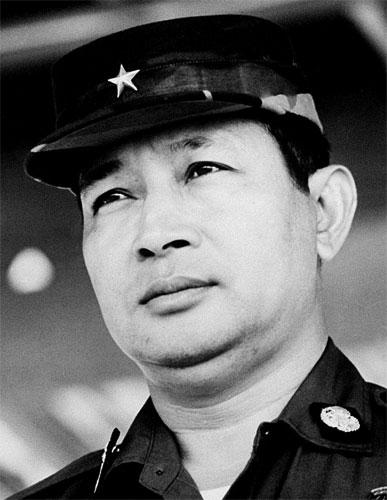 suharto former dictator of indonesia who presided over