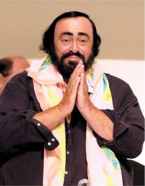 Widow settles dispute with pavarotti 39 s daughters over will for Nicoletta mantovani pavarotti