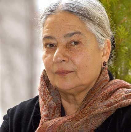 a literary analysis of womens struggle for identity in clear light of day by anita desai