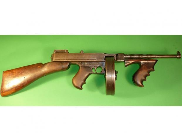 bonnie-and-clyde-gun-ap.jpg