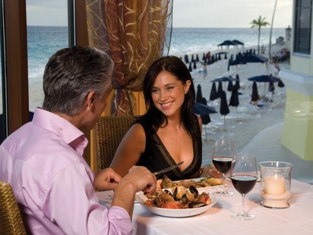 Couple-dining.jpg