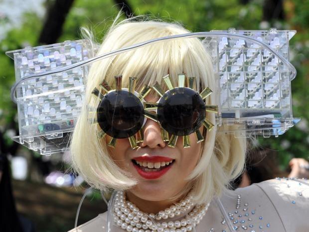 IA28-31-Gaga-3.jpg