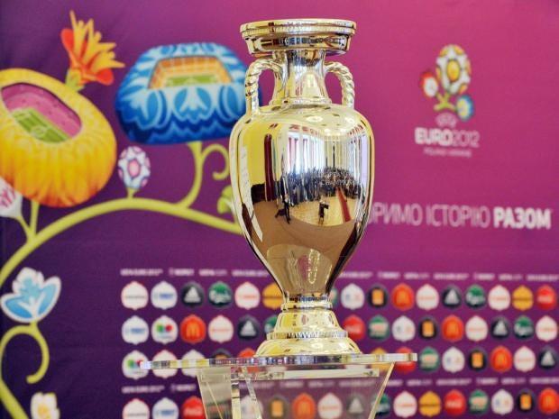 euro-2012-tophy.jpg