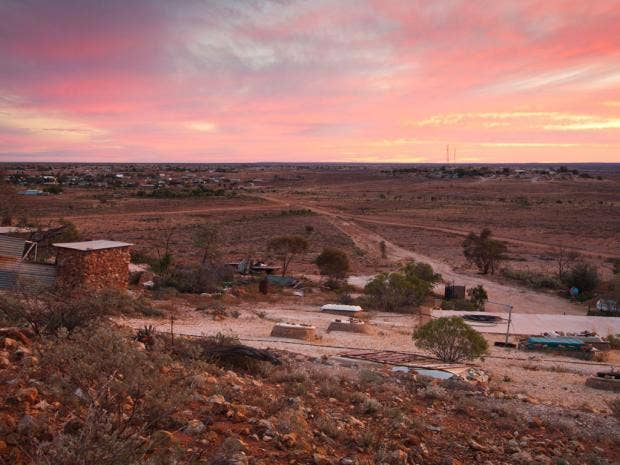 30-outbacktowns-alamy.jpg