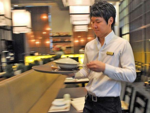 waiter-afp.jpg