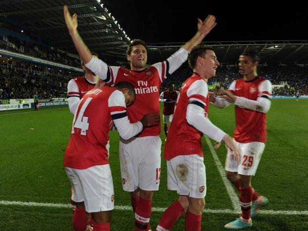 heo-Walcott-celebrates-scor.jpg