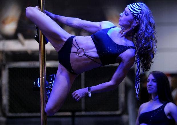 strippe4r.jpg