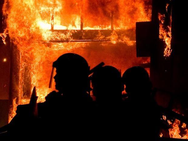 london-riots-gt.jpg